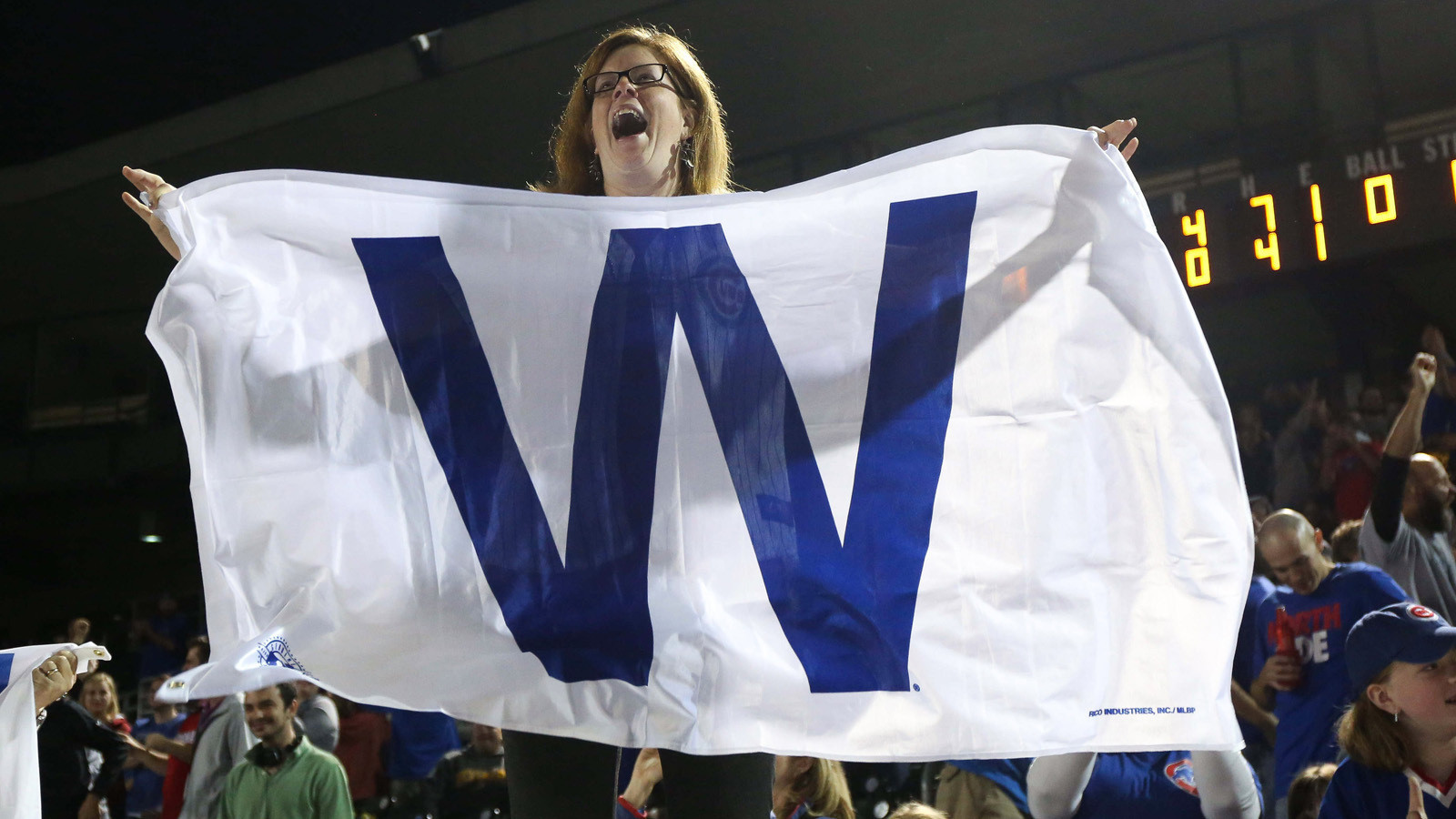 chicago-cubs-w-flag